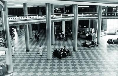 O saguão do Aeroporto de Congonhas na década de 70.