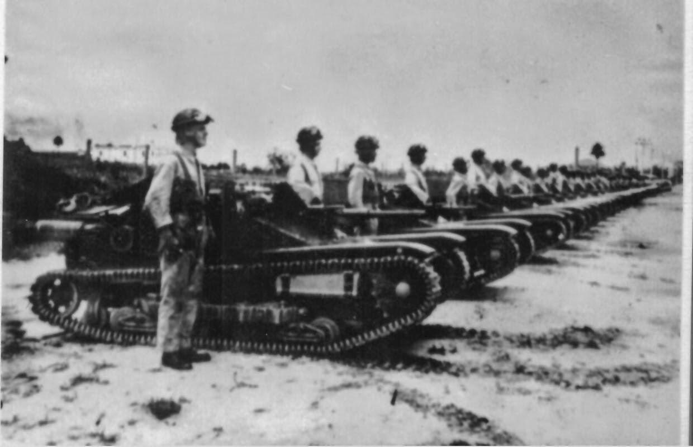 Tanques de guerra prontos para a batalha durante a Revolução de 24.