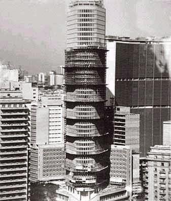 Edifício Itália em construção no ano de 1963.