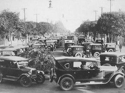 Trânsito na Avenida Paulista em 1928