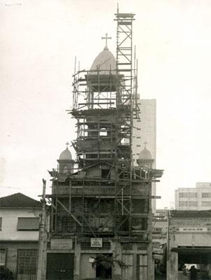 Construção da nova Igreja.