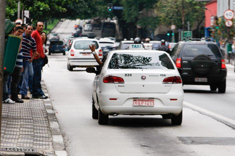 Decisão sobre táxis pode acontecer até dia 2