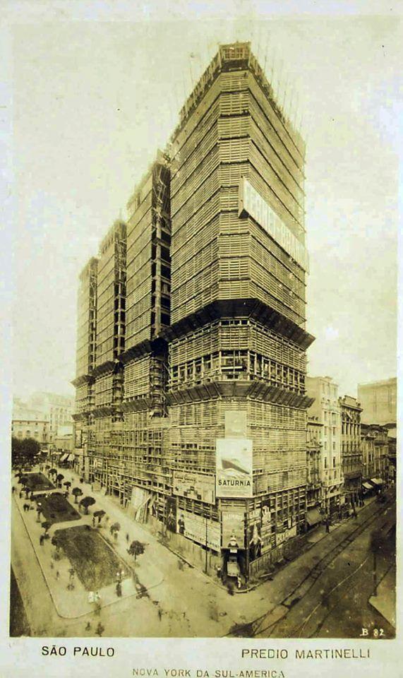 Edifício Martinelli em construção na década de 20