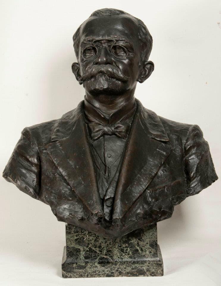 Busto do Presidente Affonso Penna de autoria da escultora
