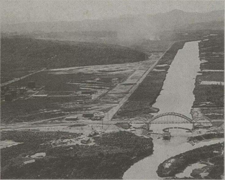 Registro do Rio Pinheiros e da antiga ponte do Jaguaré na década de 50. Explicadas as enchentes da região?