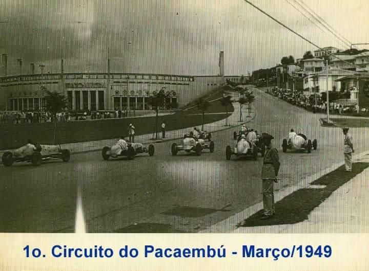 Corrida em frente ao Pacaembu em 1949.