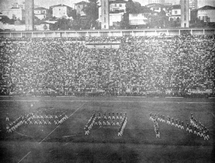 Estádio do Pacaembu na abertura dos Jogos Pan Americanos de 1963.