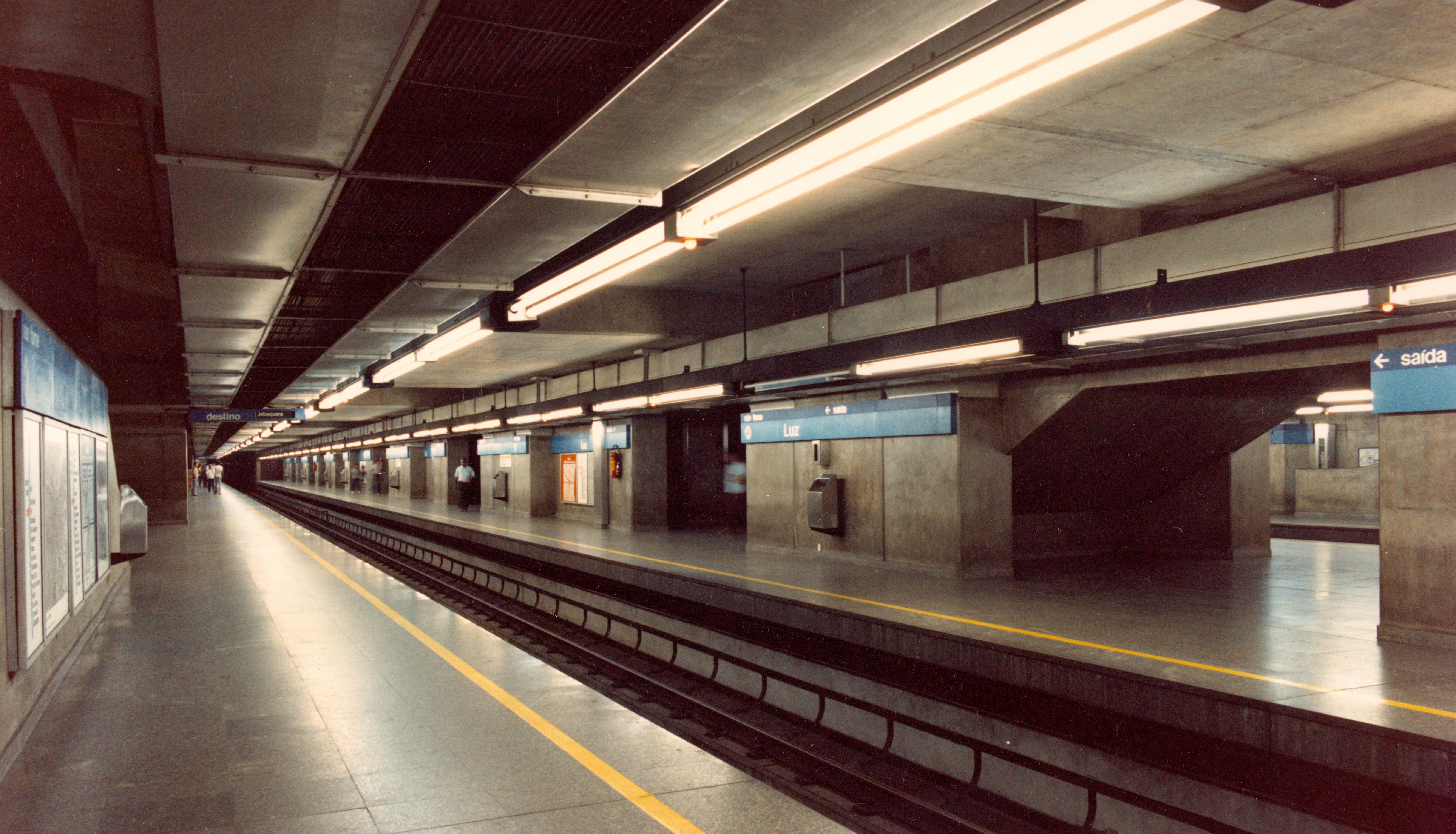 Interior da estação da Luz na década de 70