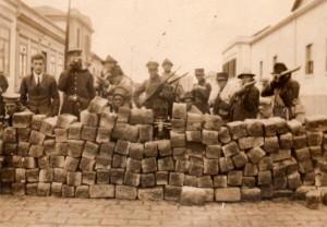 Barricada da Revolta de 1924, em São Paulo