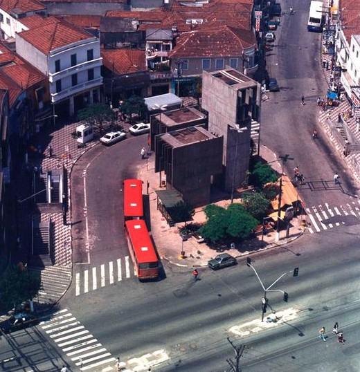 Registro de onde, hoje, está o Metrô Praça da Árvore em 1968.