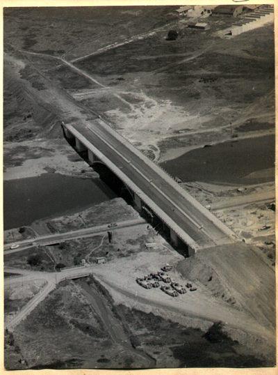Construção da Ponte da Freguesia do Ó nos anos 60