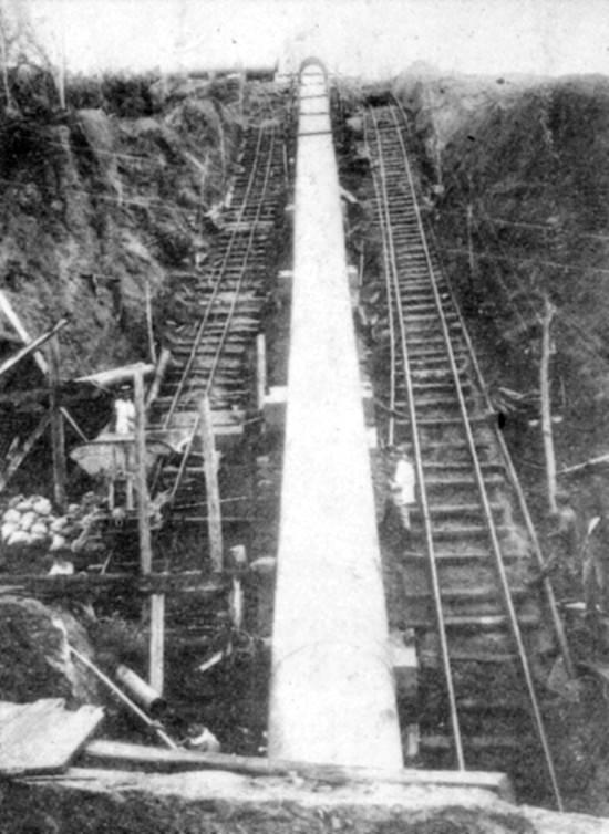 A instalação de adutoras na Serra do Mar em 1926