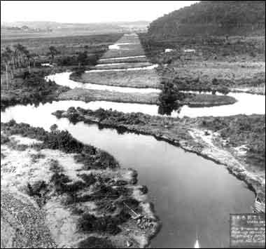 O Rio Pinheiros, antes da retificação coordenada por Billings