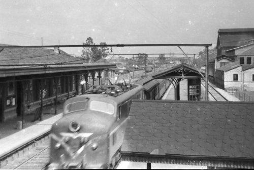 Antiga estação de trem da Barra Funda nos anos 50. Foto de Marcello Talamo