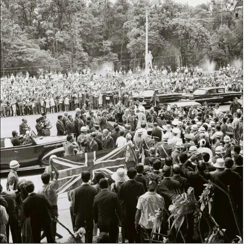 Cobertura da inauguração da nova sede do Museu de Arte de São Paulo, na Av. Paulista, no dia 7 de novembro de 1968, pela Rainha Elizabeth II.