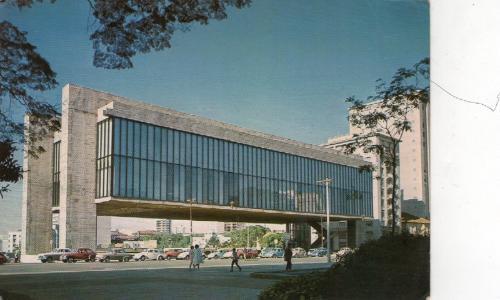 Museu de Arte de São Paulo, na Avenida Paulista, em 1970.