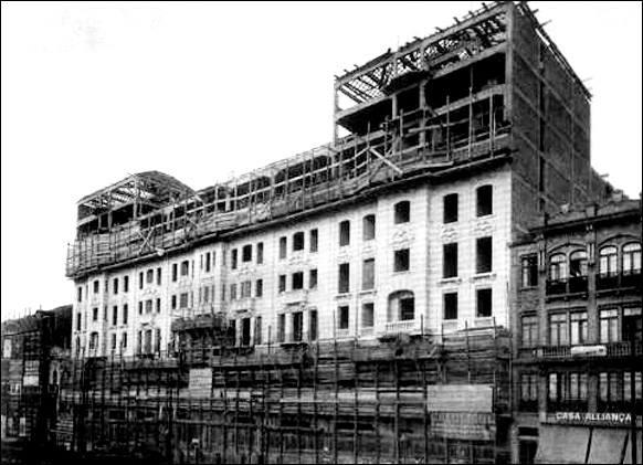 Palacete Santa Helena em construção na década de 20.