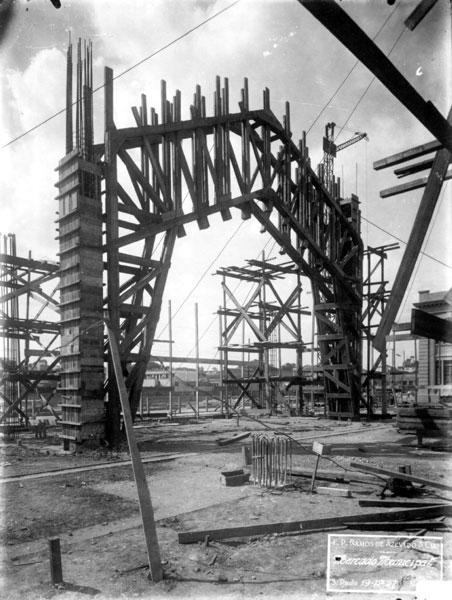 Mercado Municipal em Construção no ano de 1927.