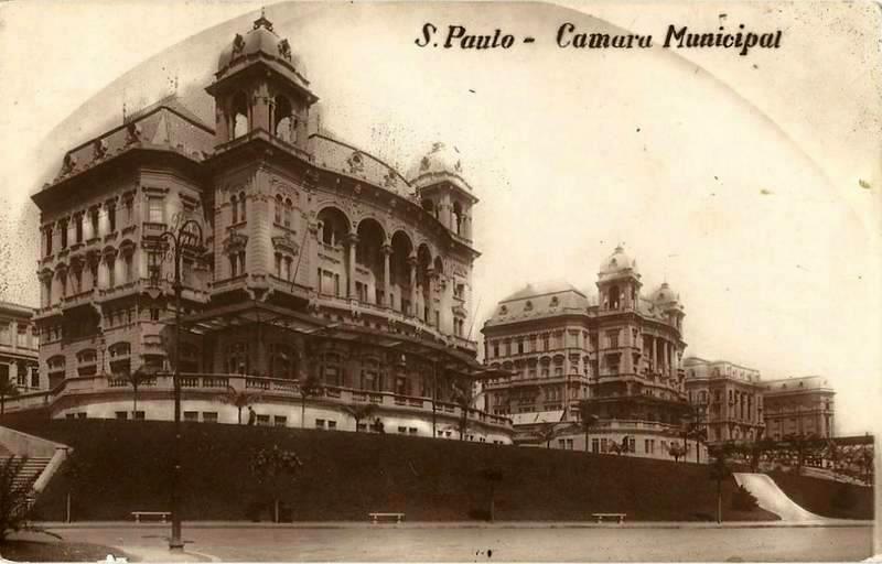Vale do Anhangabaú na ´decada de 1910 com destaque para os Palacetes Prates