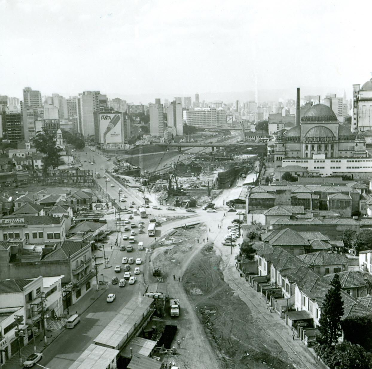 Vista aérea das obras do Metrô. Imagino que seja na região do viaduto Santa Generosa