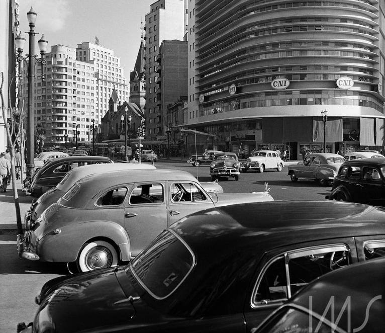 Edifício Montreal, por Francisco Albuquerque, em 1955