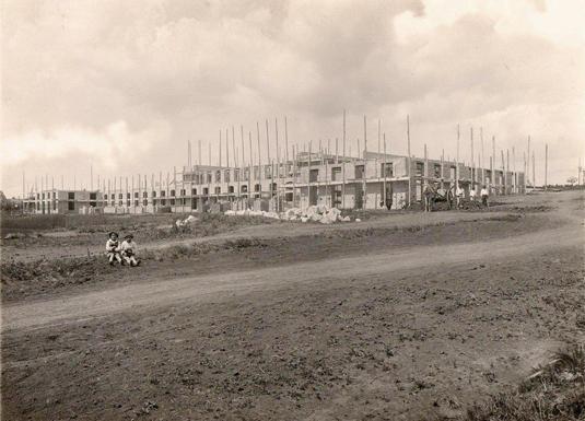 Registro da construção do Liceu Pasteur. Imagem sem data.